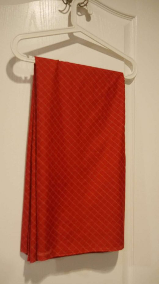 red criss-cross lungi